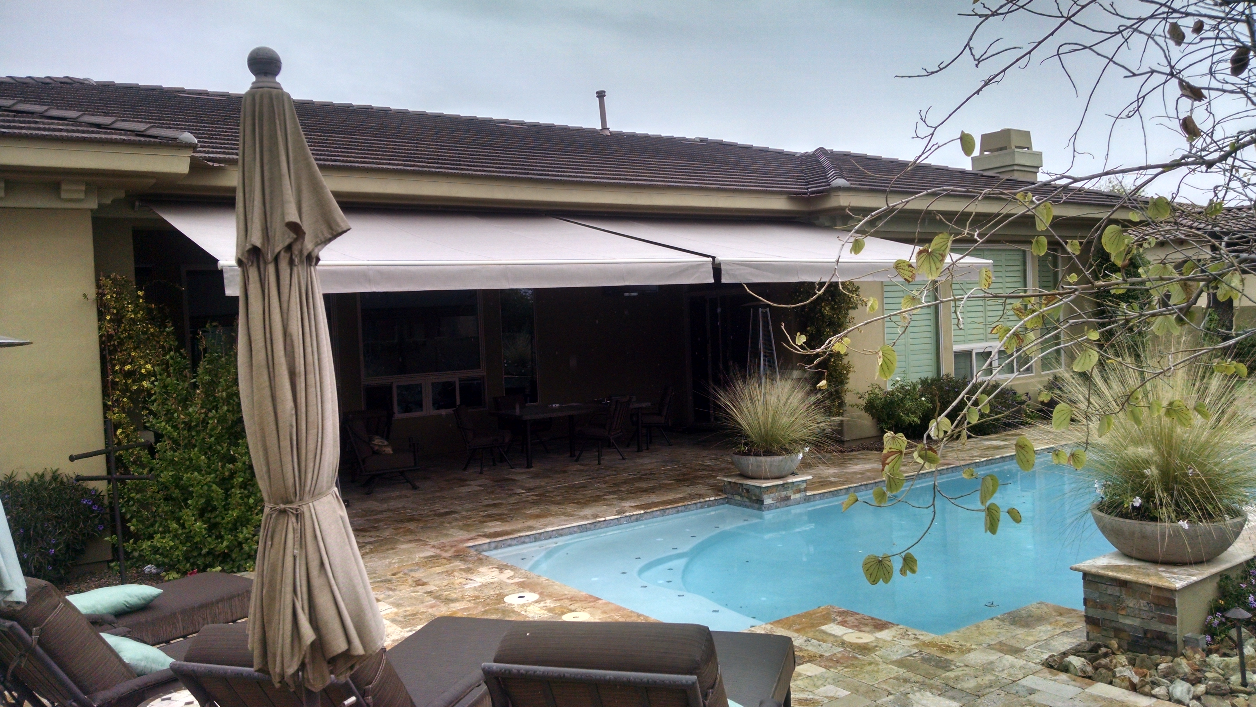 ... Retractable Awning ...